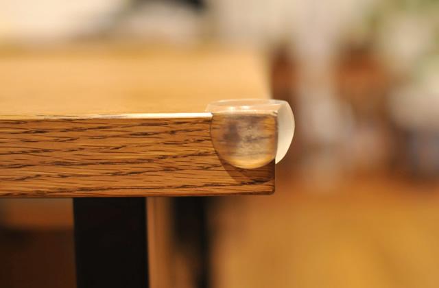 テーブルのコーナークッション 透明丸型コーナーガード