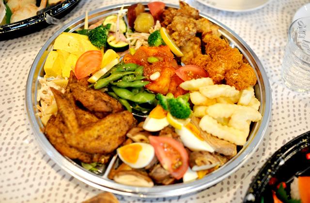 豊岡市元町にあるカフェ「ビアドリット(Via Dritto)豊劇店」のオードブルが美味い!