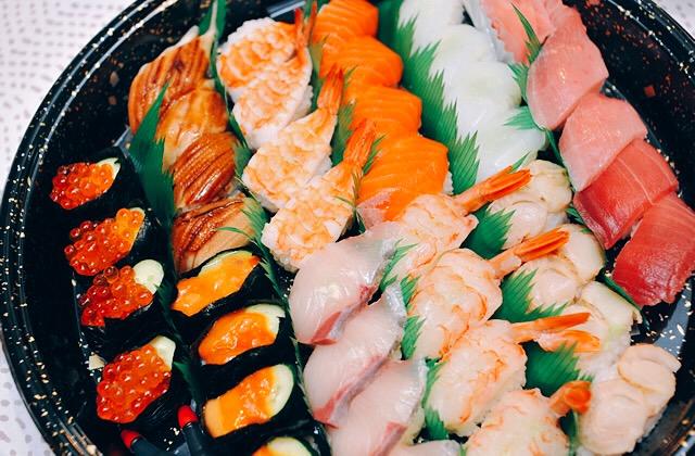 豊岡市寿町のお寿司のテイクアウトと宅配のお店「桃の季」