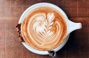 豊岡カフェ・「EAT」の「フラットホワイト」が美味い!