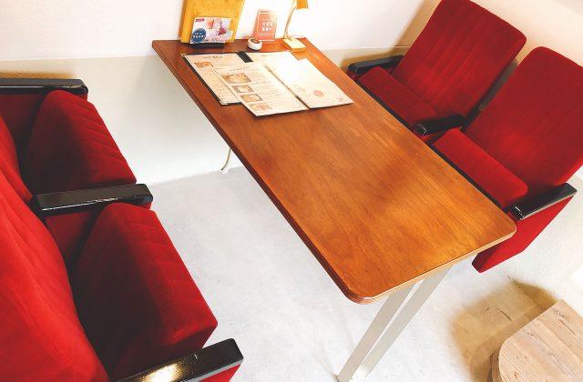 豊岡市元町にあるカフェ「ビアドリット(Via Dritto)豊劇店」のハンバーグランチが美味い!