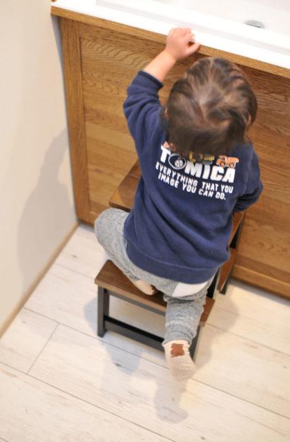 子どもの手洗い用のオシャレな踏み台「AY(エーワイ)ステップチェアー」が良い!