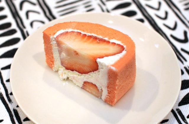 豊岡市戸牧にある果物屋「フルーツアイランド百果園」の「フルーツサンド」と「いちごロール」が美味い!