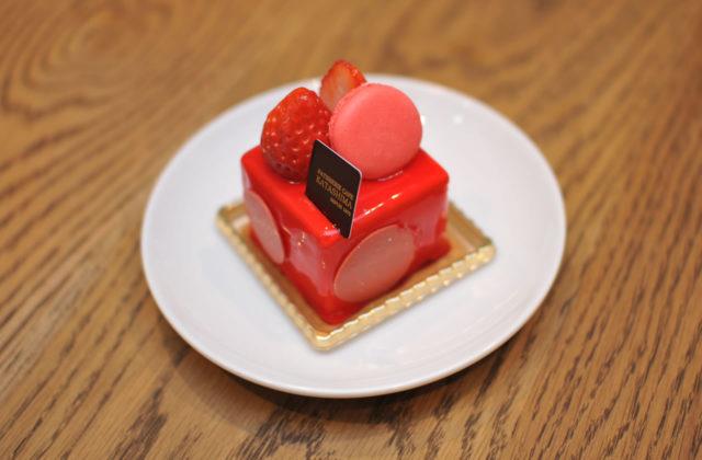 豊岡市若松町にあるケーキ屋「カタシマ KATASHIMA 豊岡店」の「春の苺フェア」のケーキが美味い!